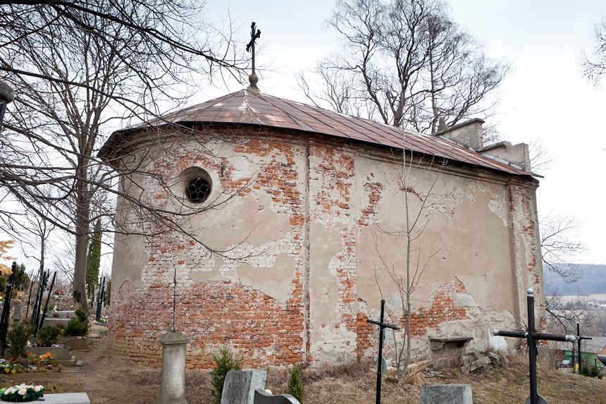 O starym cmentarzu w Lipinkach na Zarządzie
