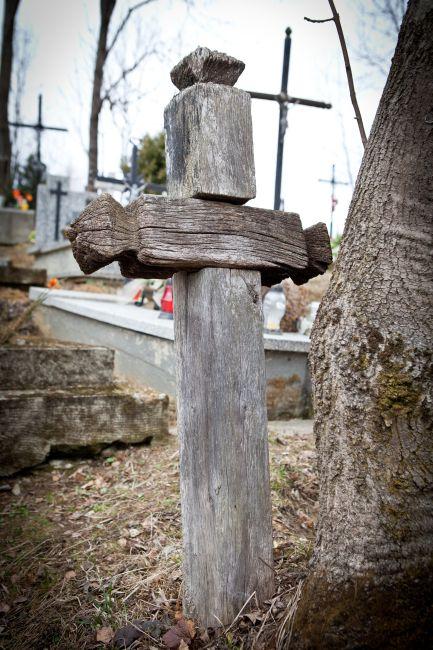 Prawie 1300 zł ze składki na porządkowanie starego cmentarza w Lipinkach