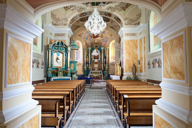 Niedzielna msza święta w starym kościele w Lipinkach przywrócona